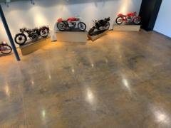 Moto Floor